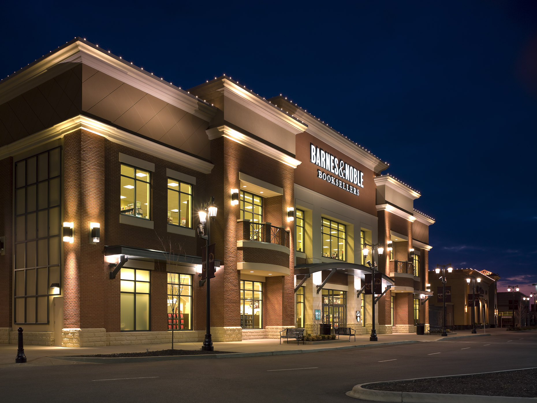 Polaris Fashion Place Barnes & Noble photographed by Brad Feinknopf based in Columbus, Ohio