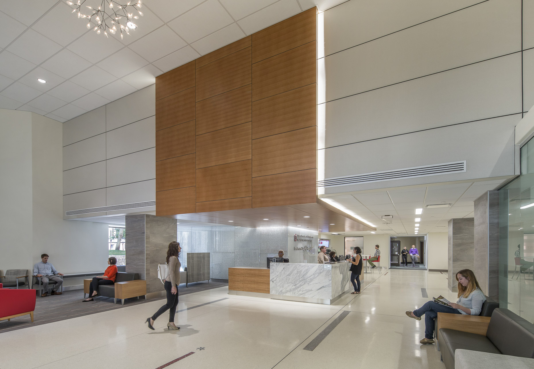 OSUWMC Brain & Spine Hospital by DesignGroup photographed by Brad Feinknopf based in Columbus, Ohio