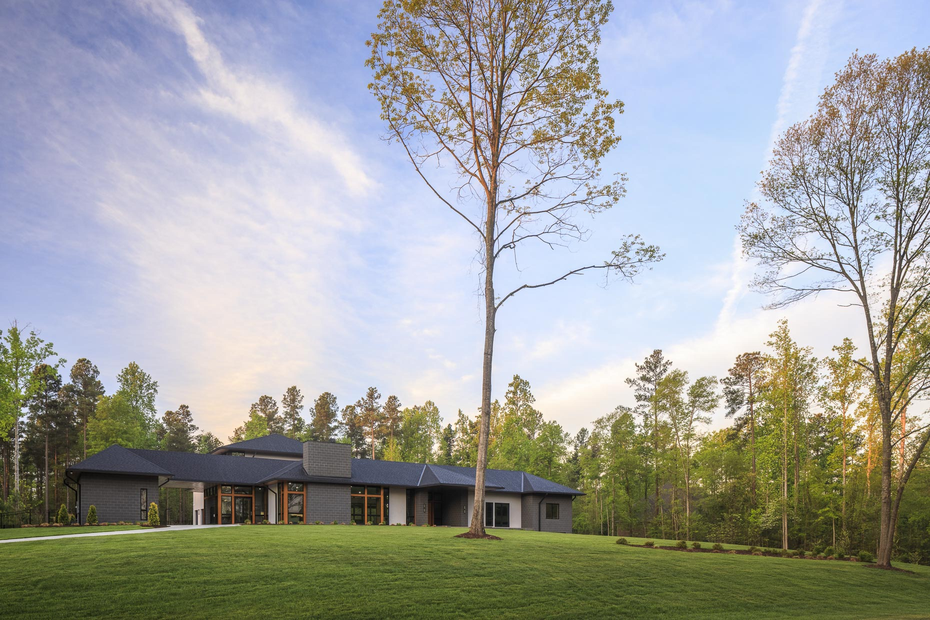 Lake Wylie Private Residence by Studio MM photographed by Brad Feinknopf based in Columbus, Ohio
