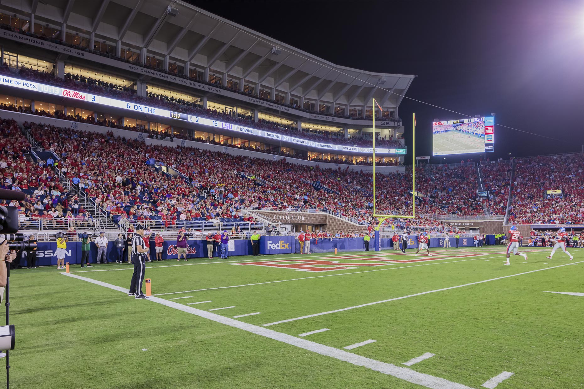 Ole Miss Vaught-Hemingway Stadium Expansion by AECOM photographed by Brad Feinknopf based in Columbus, Ohio