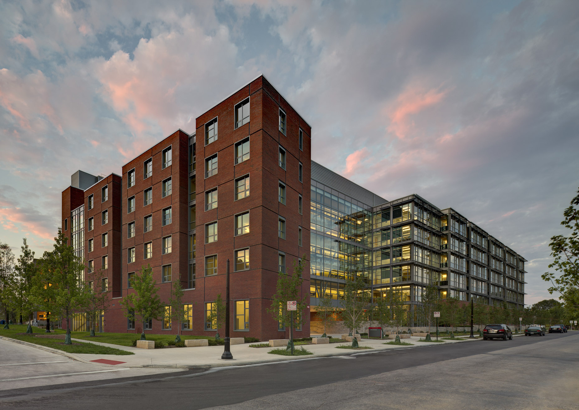 Williams Hall / Residences on Tenth at The Ohio State University by Acock Associates Architects