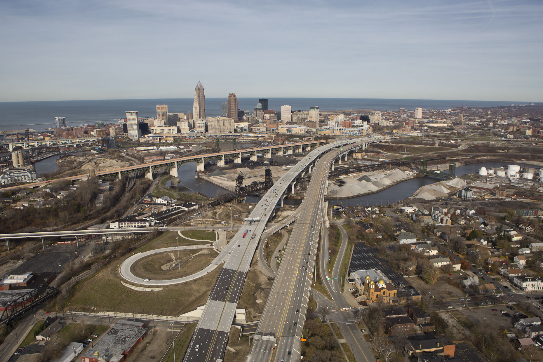 US I-90 Cleveland Innerbelt Bridge by HNTB photographed by Brad Feinknopf based in Columbus, Ohio
