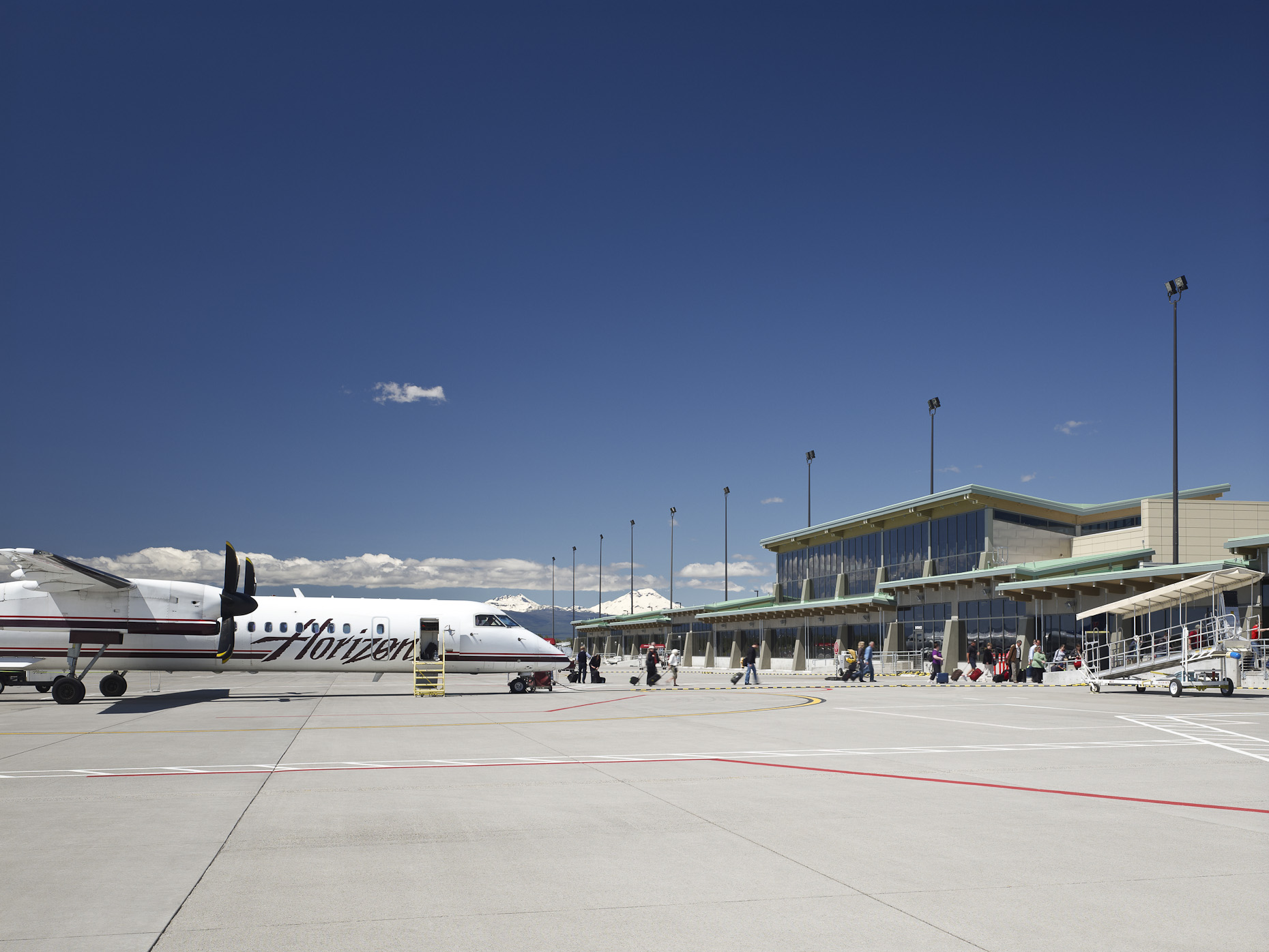 Redmond Municipal Airport by HNTB photographed by Brad Feinknopf based in Columbus, Ohio