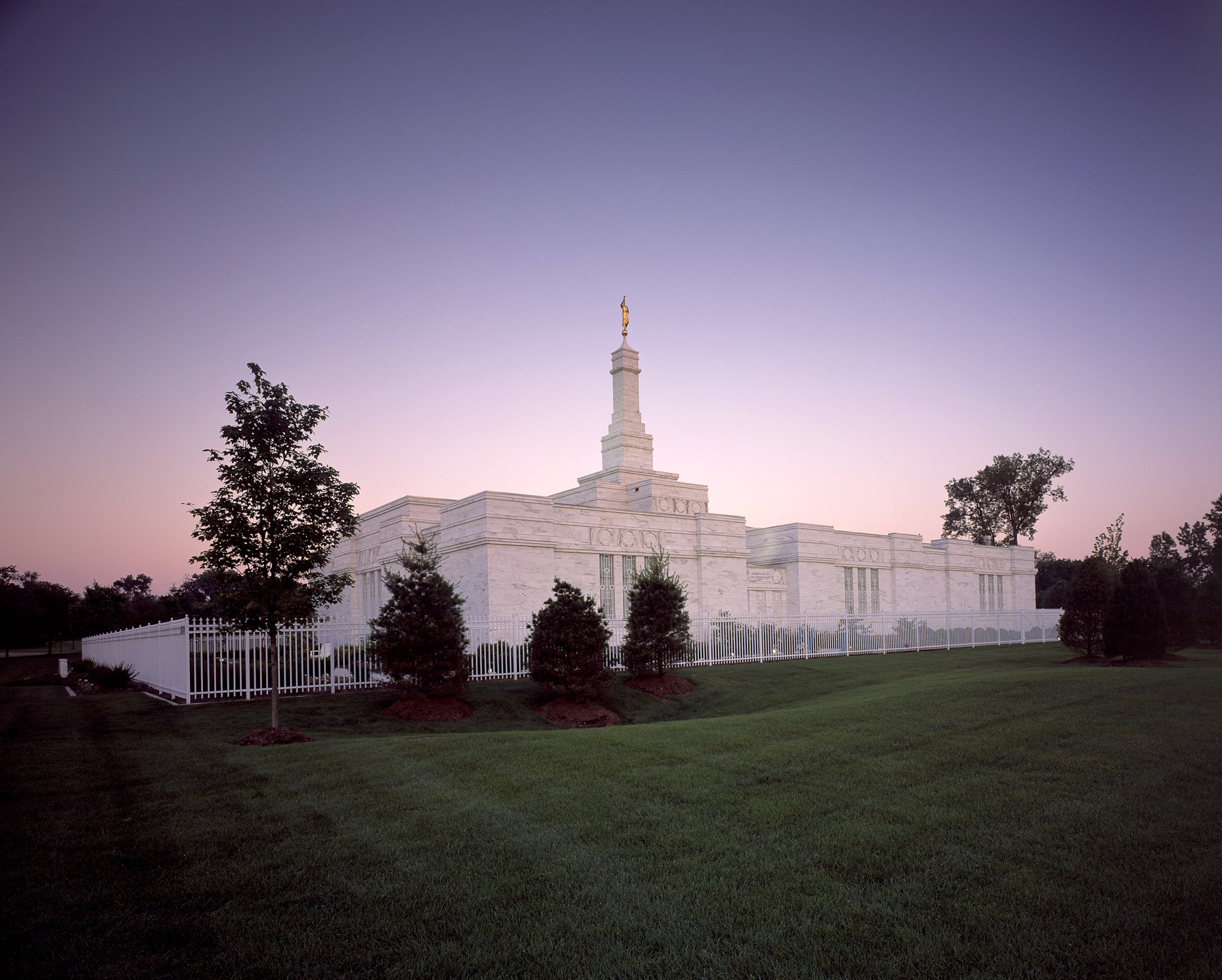 Mormon Temple by Corna-Kokosing photographed by BRad Feinknopf based in Columbus, Ohio