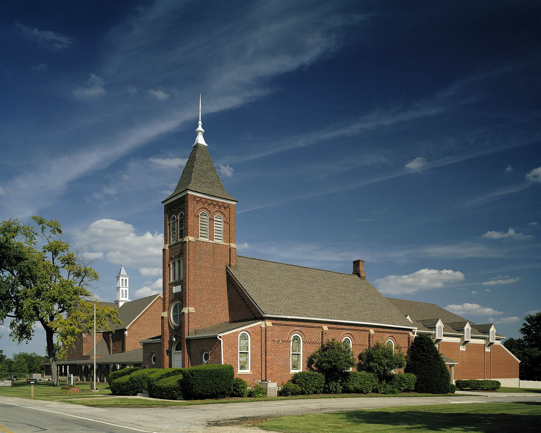 St. John Lutheran Church by Phillip Markwood Architects photographed by Brad Feinknopf based in Columbus, Ohio