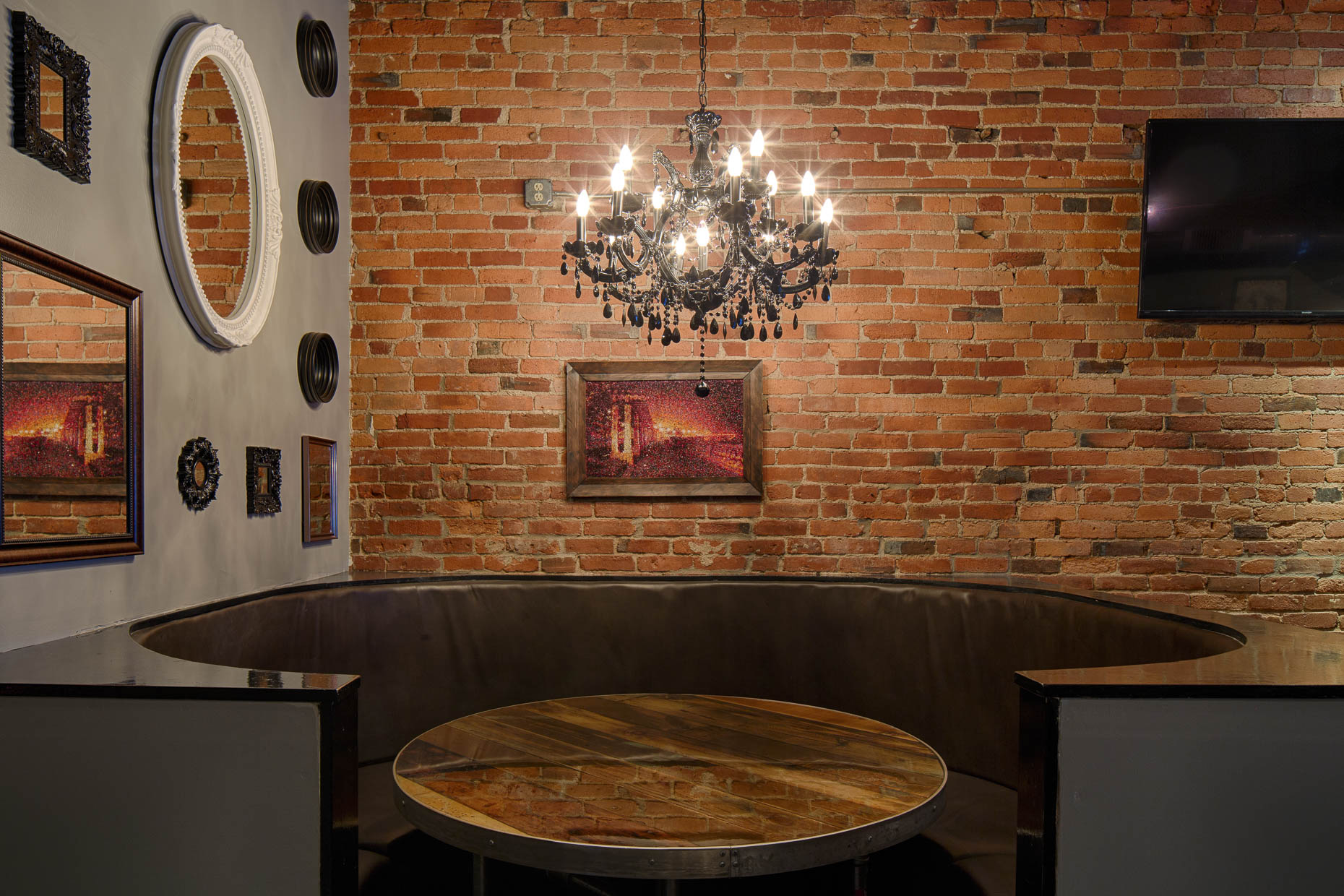 The Walrus Kitchen & Public House photographed by Lauren K Davis based in Columbus, Ohio